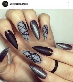 Stiletto nails. Black and gray nails.