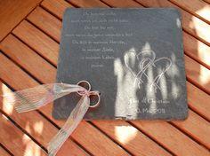 Auf der Suche nach einem Ringkissen???    Das hat nicht jeder!    Wunderschöne, nach Ihren Wünschen gefertigte Ringtafel für Ihre Traumhochzeit!    Di