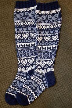 Knitting Stitches, Knitting Socks, Knitting Patterns, Wool Socks, Sock Shoes, Mittens, Knit Crochet, Cross Stitch, Clothes For Women