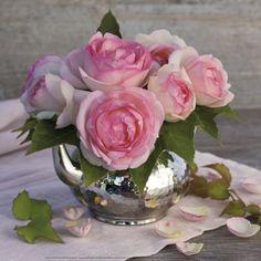 Roses and Teapot Pósters por Catherine Beyler en AllPosters.es
