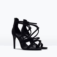 ZARA - MULHER - SANDÁLIA TACÃO NÓS. Cor: Preto. Black coloured sandal heels.