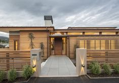 Maori Hill Residence by Parker Warburton Team Architects (PWTA) Wood Cladding, House On A Hill, Wood Surface, Fence Design, New Builds, Architecture, Building, Outdoor Decor, Exterior