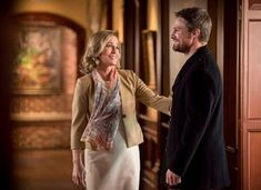 Susanna Thompson and Stephen Amell in Arrow Stephen Amell, Susanna Thompson, Colin Donnell, Willa Holland, Team Arrow, Arrow Tv, John Barrowman, Green Arrow, The Cw