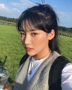 Ulzzang Hair, Ulzzang Korean Girl, Blonde Hair Korean, Hairstyles With Bangs, Girl Hairstyles, Japonese Girl, Natural Summer Makeup, Korean Photo, Pretty Korean Girls