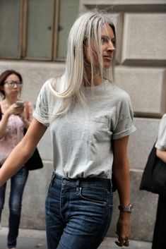 A Day in the Life of a Street Style Photographer - Man Repeller Street Style 2017, Street Style Women, Street Styles, Fashion 2017, Fashion Outfits, Fashion Trends, Sarah Harris, Ootd, Casual Elegance