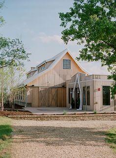 Classic St. Louis Wedding, Cedar Creek Barn | Brides.com