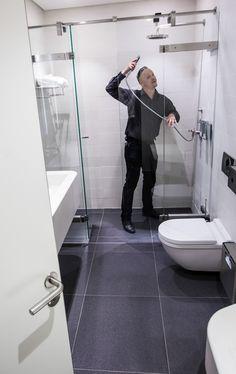 Sprcha se při dlouhých letecha a ještě delších přestupech šikne.