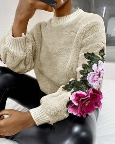Fashion Sewing, Diy Fashion, Womens Fashion, Embroidery Fashion, Diy Embroidery, Trend Fashion, Fashion Details, Look Street Style, Fluffy Sweater