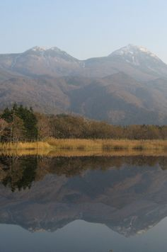 Shiretoko Peninsula is located on the easternmost portion of the Japanese island of Hokkaidō, protruding into the Sea of Okhotsk. Overseas Travel, Japan Travel, My Father's World, Web Magazine, Culture Travel, Travel Essentials, Sunrise, Japanese, Rising Sun