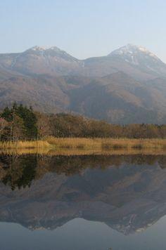 Shiretoko Peninsula is located on the easternmost portion of the Japanese island of Hokkaidō, protruding into the Sea of Okhotsk.知床