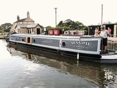 Image result for canal boat exterior colours Exterior Colors, Exterior Paint, Interior And Exterior, Interior Ideas, Interior Design, Canal Barge, Canal Boat, Narrowboat Interiors, Boat Fashion