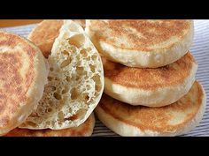 Bread in a pan Bread Bun, Pan Bread, Bread Cake, Bread Baking, Bread Machine Recipes, Bread Recipes, Oven Recipes, Cooking Recipes, Pan Dulce