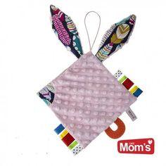 Będziemy szeleścić:)    Nowość od Hencz, różowa zabawka dla niemowląt Hencz 973 - szeleścik z dużymi króliczymi uszkami.     Szeleścik posiada kolorowe metki, gryzak oraz sznureczek między uszami do smoczka.    Powierzchnia szeleścika wykonana jest z tkaniny minky a uszy z bawełny - wzór piórka.    Szeleścimy?:)    http://www.niczchin.pl/zabawki-dla-niemowlat/3622-hencz-973-szelescik-z-uszami-rozowy.html    #hencztoys #szeleścik #dlaniemowląt #zabawki #niczchin #kraków