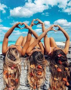 """Polubienia: 776, komentarze: 5 – DeeZee Shoes (@deezee_shoes) na Instagramie: """"Oznaczajcie przyjaciółki, z którymi chciałybyście tak spędzić lato, do którego zostało tylko 83…"""""""