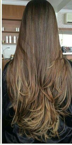 Projeto Along Hair – Recupere em 30 dias Haircuts For Long Hair With Layers, Hairdo For Long Hair, Long Layered Hair, Long Hair Cuts, Long Hair Styles, Gorgeous Hair Color, Beautiful Long Hair, Long Hair Highlights, Hair Color Techniques