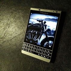 BlackBerry Passport SE Blackberry Mobile Phones, Blackberry Passport, Study Inspiration, Telephone, Macbook, Den, Gentleman, Motorcycles, Stage