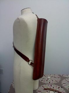 Handmade Quiver Traditional Archery Quiver by emporiumleathers Archery Quiver, Archery Girl, Arrow Quiver, Crossbow Hunting, Archery Hunting, Leather Quiver, Mounted Archery, Leather Projects, Leather Crafts