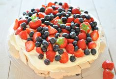 pavlova Frisk, Pavlova, Cheesecake, Food And Drink, Desserts, Tailgate Desserts, Deserts, Cheesecakes, Postres