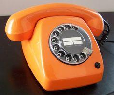 Google Afbeeldingen resultaat voor http://4.bp.blogspot.com/_TjQbHKV2Vuc/S4G4C0ntZGI/AAAAAAAAAxY/WsMELHXoDVc/vintage-rotary-phone.jpg