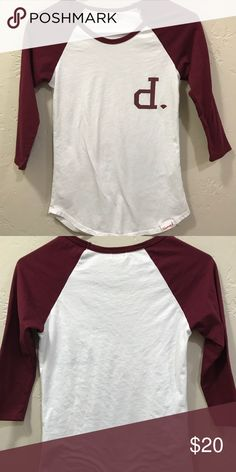 Diamond baseball tee Excellent condition worn twice. Size extra small. Sleeves are a maroon color Diamond Supply Co. Tops Tees - Short Sleeve