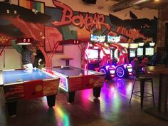 Boxcar Bar and Arcade, Durham - You Can't Beat Fun, Games and Pizza   #nctriangledining #pizza #ncrestaurantreview #ncfood #ncrestaurant #nceats #durhamnc #durhamfood #durhamrestaurant #durhameats