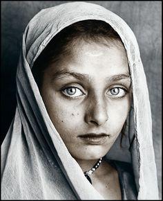 kalash girl (C) Jan C. Schlegel