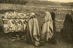 Collection of Maggie Land Blanck, 2012, The Wonderful Britain 1928. HOLY WELLS IN IRELAND VISITED BY THE FAITHFUL. http://www.maggieblanck.com/Mayopages/Irishancestors.html