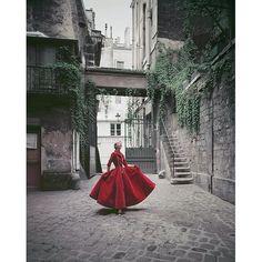 Velvet dinner dress by Chanel, 1955  photo: Mark Shaw