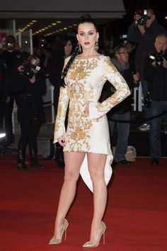 Katy Perry looks fierce while attending an awards show in France. You tell us: What do you think of her hi-lo dress?
