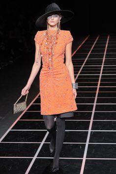 Giorgio Armani Fall 2012 Ready-to-Wear Collection Photos - Vogue