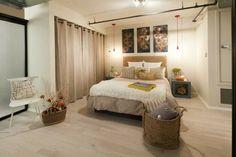idée de dressing pour chambre avec rideau beige comme les murs