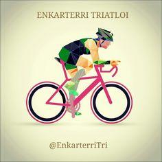 Diseño para Enkarterri Triatloi de un triatleta en bici