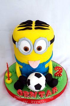 MInion Soccer Cake