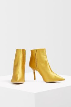 Add a hit of new season colour to your wardrobe with these mustard ankle boots. Pair with black for maximum impact. Topshop Style, Topshop Unique, Season Colors, Mustard, Fashion Beauty, Asos, Ankle Boots, High Heels, Stockings