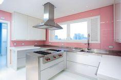 Construindo Minha Casa Clean: Quero minha Cozinha Rosa! E Agora? Veja 40 Ideias! #paredecolorida #moveisbrancos #inox