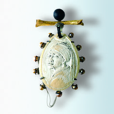 Girl on a Pearl Pendant by Ulrich Reithofer