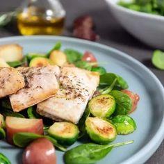 Δίαιτα για μετά τα 50: To ενδεικτικό πλάνο διατροφής από τη διαιτολόγο - Shape.gr The Kitchen Food Network, Food Network Recipes, Potato Salad, Zucchini, Soup, Vegetables, Diets, Ethnic Recipes, Fitness
