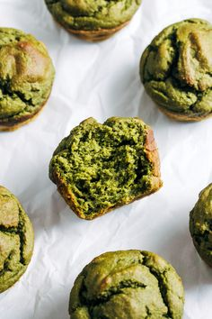 Vegan Spinach Blender Muffins - Making Thyme for Health Healthy Muffin Recipes, Yummy Healthy Snacks, Healthy Muffins, Vegan Recipes, Snack Recipes, Dessert Recipes, Yummy Food, Healthy Baking, Healthy Meals