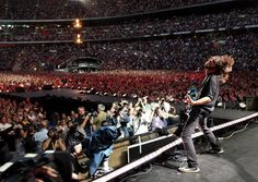 Dave Grohl of Foo Fighters performs on stage during the Live Earth concert at Wembley Stadium on 7 July 7 2007 in London