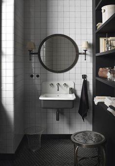 dupont corian basin with black shelves and square tiles Dupont Corian, Corian Sink, Attic Bathroom, Bathroom Basin, Bathroom Interior, Bathroom Black, Master Bathroom, Bathroom Layout, Bathroom Pics