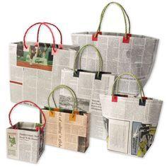 新聞紙エコバッグの作り方をご紹介。たかが新聞紙。されど新聞紙。新聞紙は意外と実用性があるのです。軽くて丈夫なところを利用してエコバッグにしてしまうという斬新アイデア。「え?これが新聞紙?」とびっくりしてしまう実例を紹介します。