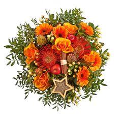 """Pflanzen-Kölle Weihnachtsstrauß """"Zimtstern"""".  Ein Zimtstern zum Verschenken, liebevoll arrangiert zu einem traumhaften Strauß."""
