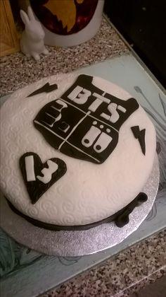 Birthday cake made by Donna Mosley ! #kpop #BTS #birthday cake Bangtang boys birthday cake 13th birthday cake for kpop fans