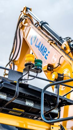 machinery – hledání na Twitteru Used Construction Equipment, Heavy Machinery, Online Marketing, Surface