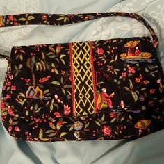 Adorbs Vera Bradley Purse Ming Pattern Retired Great preloved condition zip up pocket inside with magnetic snap closure. Love the print!!! Vera Bradley Bags