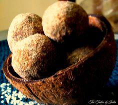 Ari Unda - Rice Jaggery Balls http://www.thetastesofindia.com/ari-unda/?utm_content=buffer15c69&utm_medium=social&utm_source=pinterest.com&utm_campaign=buffer #indiansnacks #snacks #southindiansnacks