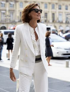 When I Grow Up, I Want to Be One of These 16 French Women - Herren- und Damenmode - Kleidung Fashion Over 40, Over 50 Womens Fashion, 50 Fashion, Fashion Tips For Women, Look Fashion, Women's Fashion Dresses, Urban Fashion, Plus Size Fashion, Fashion Trends