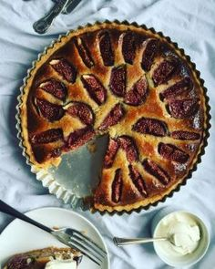 katie's kitchen journal: Fig, honey and almond Frangipane tart Fig Recipes, Tart Recipes, Sweet Recipes, Dessert Recipes, Cooking Recipes, Slow Cooker Desserts, Sweet Pie, Sweet Tarts, Just Desserts