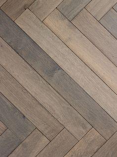SOLID floor | product | oak herringbone toroni