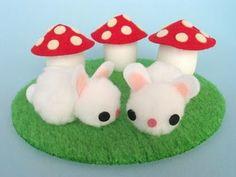 bunny n mushroom  1 of 2 moldes de fieltro